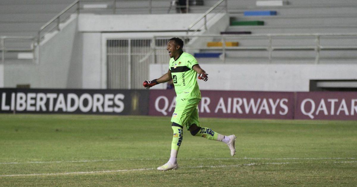 TC Televisión | VIDEO | ¡Debutó Banguera! Delfín golea 3-0 a Defensa y  Justicia en la Copa Libertadores