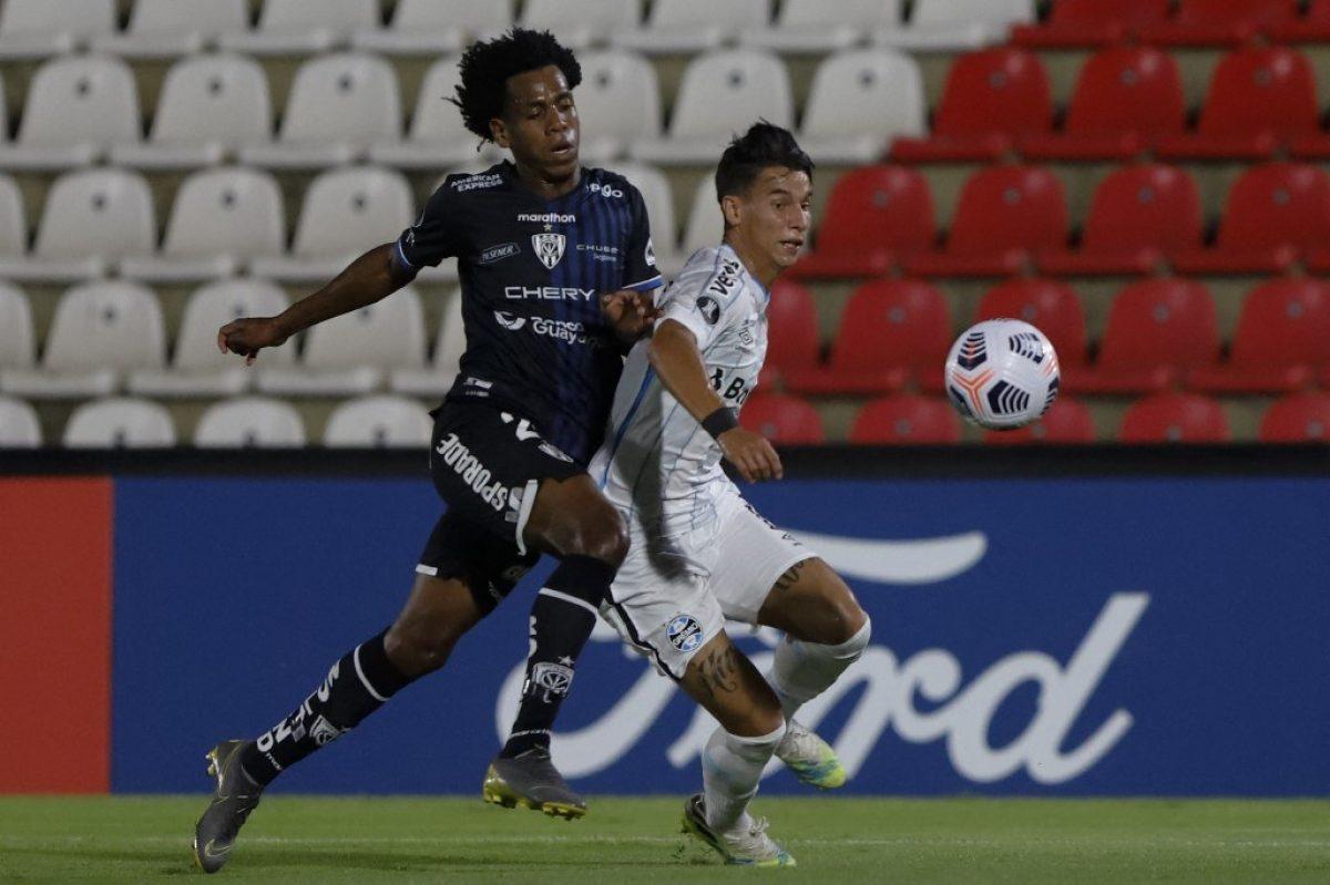 Gremio anunció jugador infectado de covid-19 que jugó contra Independiente del Valle