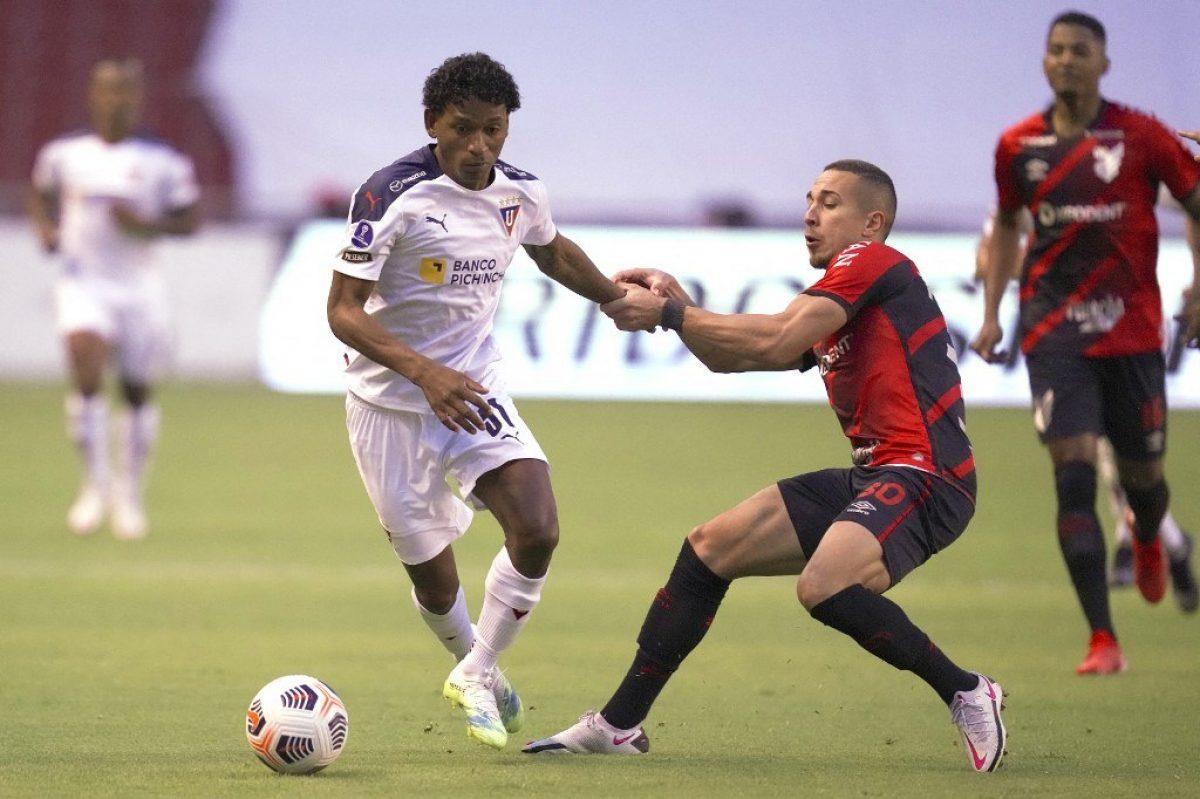 Liga de Quito derrotó 1x0 al Atlético Paranaense