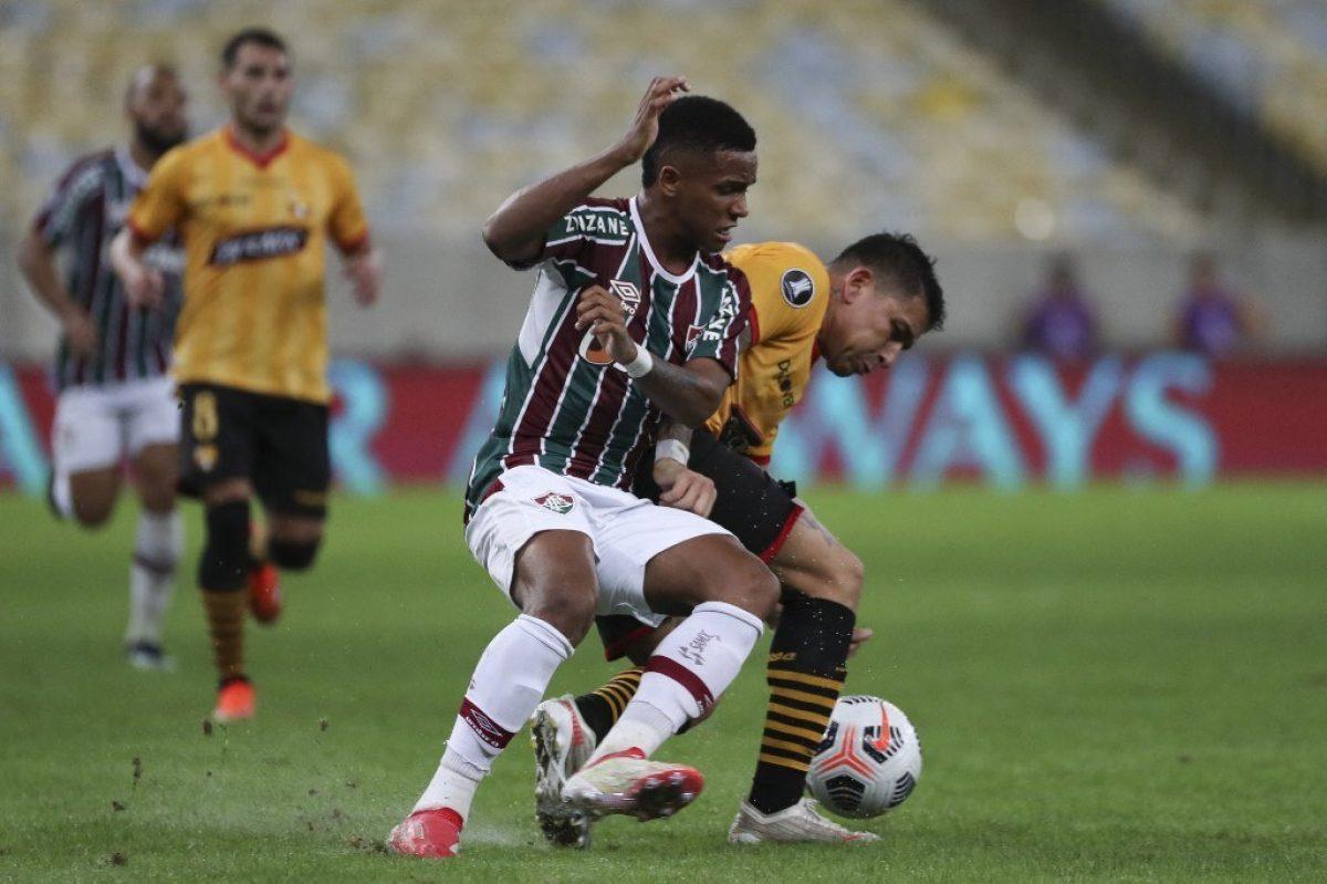 Barcelona empató 2x2 ante Fluminense en Brasil