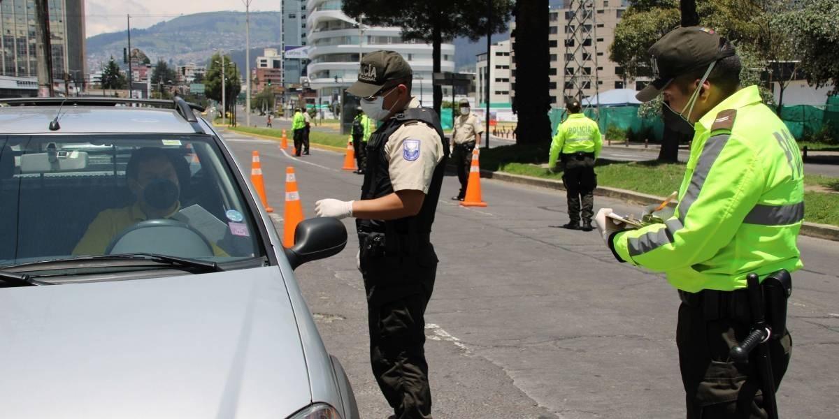¿Sin estado de excepción cómo queda la circulación vehicular en Ecuador?