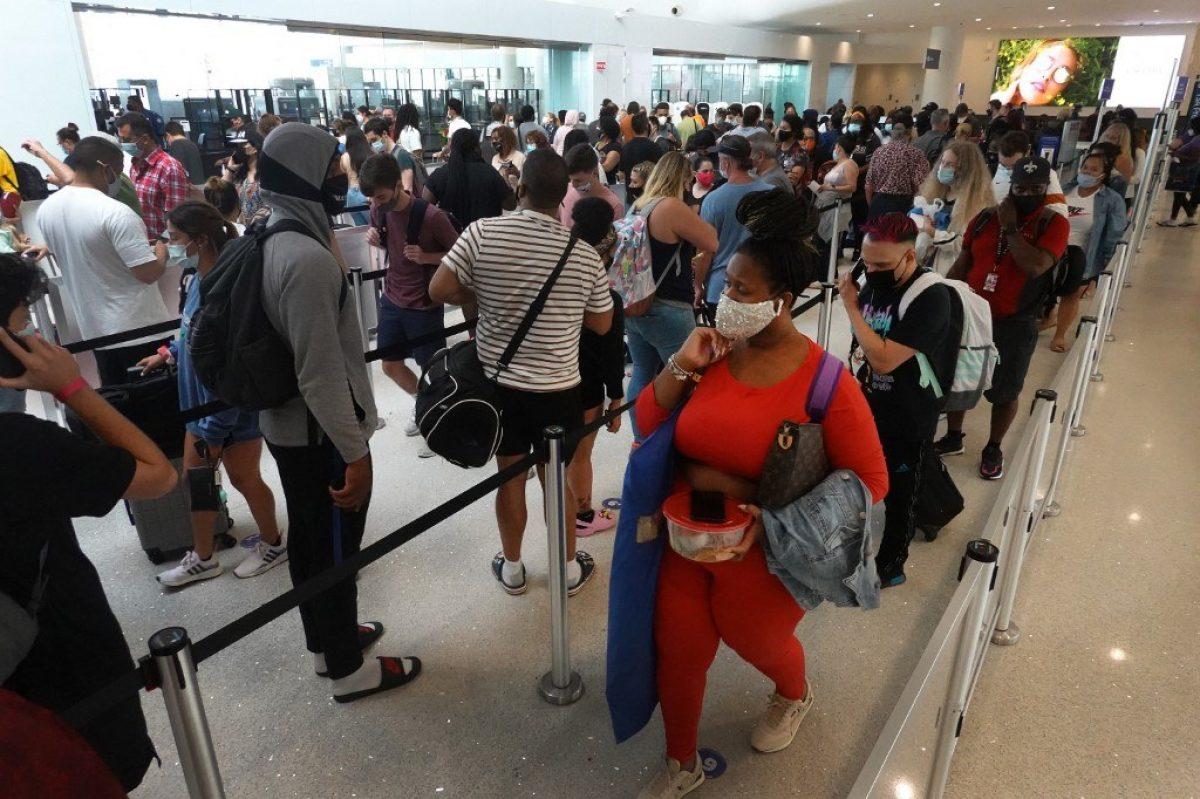 Evacuaciones y miedo en Luisiana cuando se aproxima huracán Ida de categoría 4