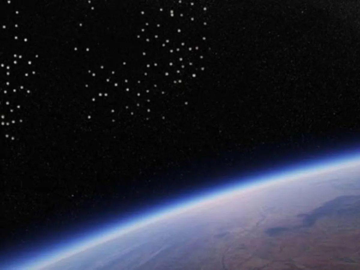 VIDEO   La NASA registró el vuelo de 150 Ovnis dirigiéndose hacia la Tierra