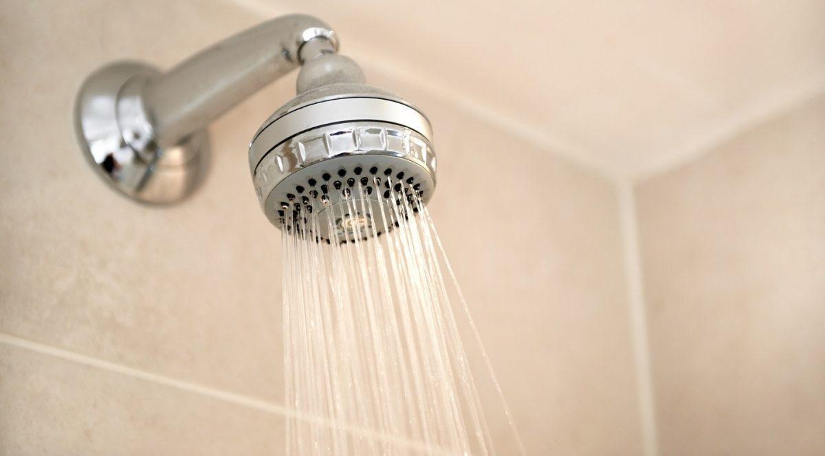 Científico lleva 5 años sin bañarse para probar que no es necesario hacerlo diariamente