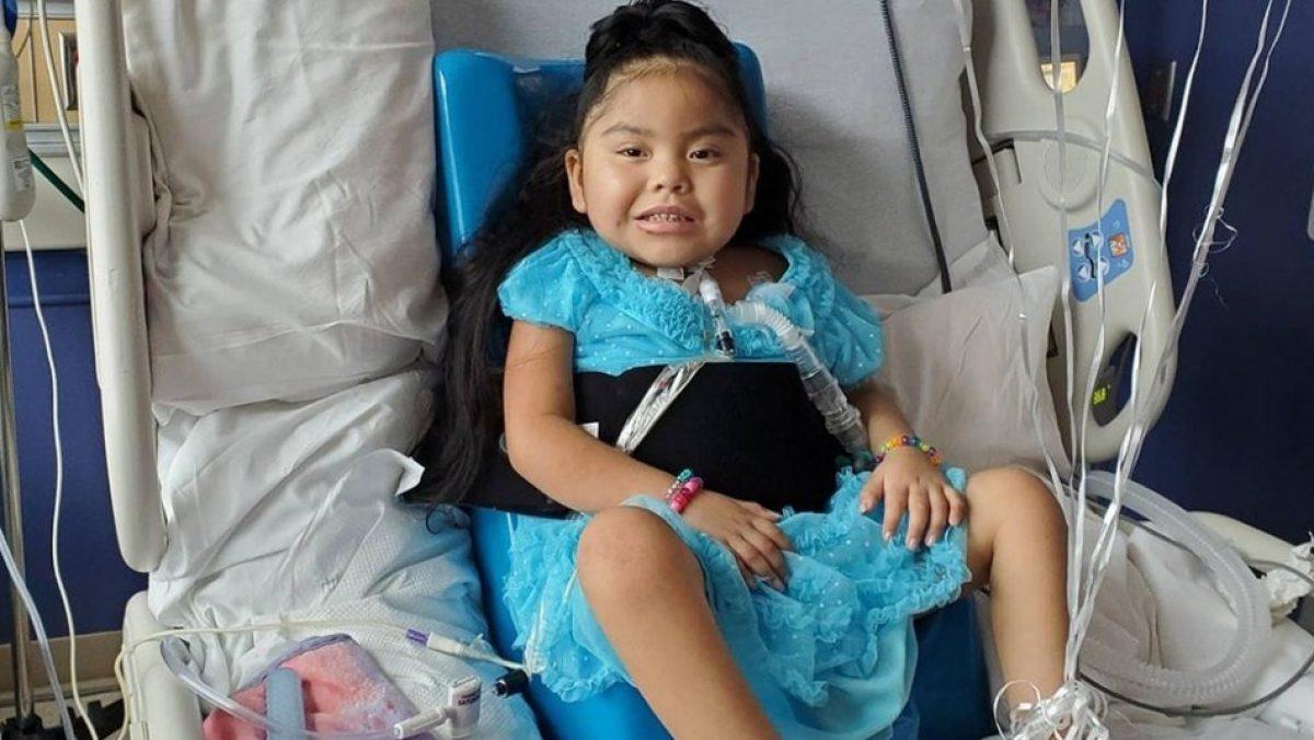 Niña quedó paralítica tras contraer una grave enfermedad relacionada al covid-19