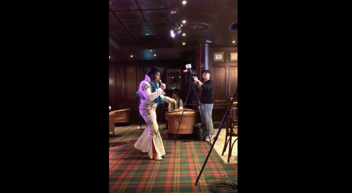 VIDEO: Un noruego bate un récord mundial cantando canciones de  Elvis durante 50 horas
