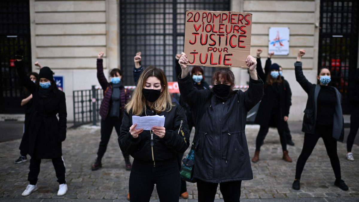 ¡INSÓLITO! Mujer denunció que fue violada por 20 bomberos hace más de 10 años en Francia