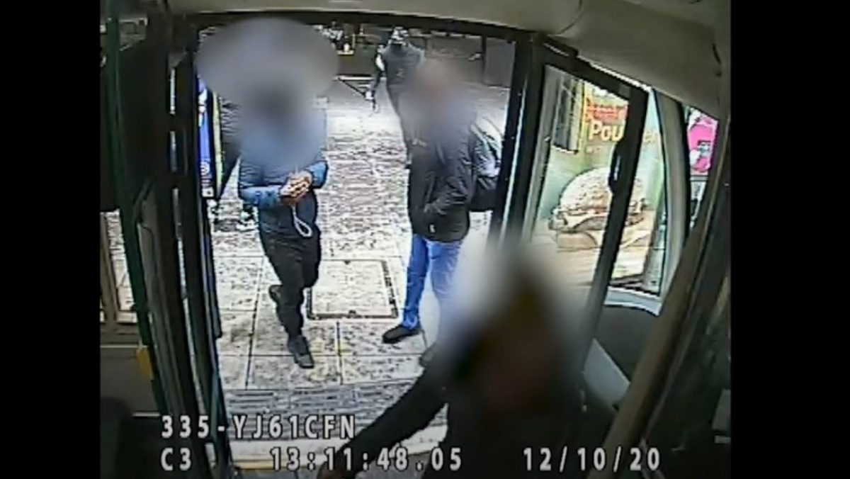 Murió minutos después: Atacan con una espada a joven músico