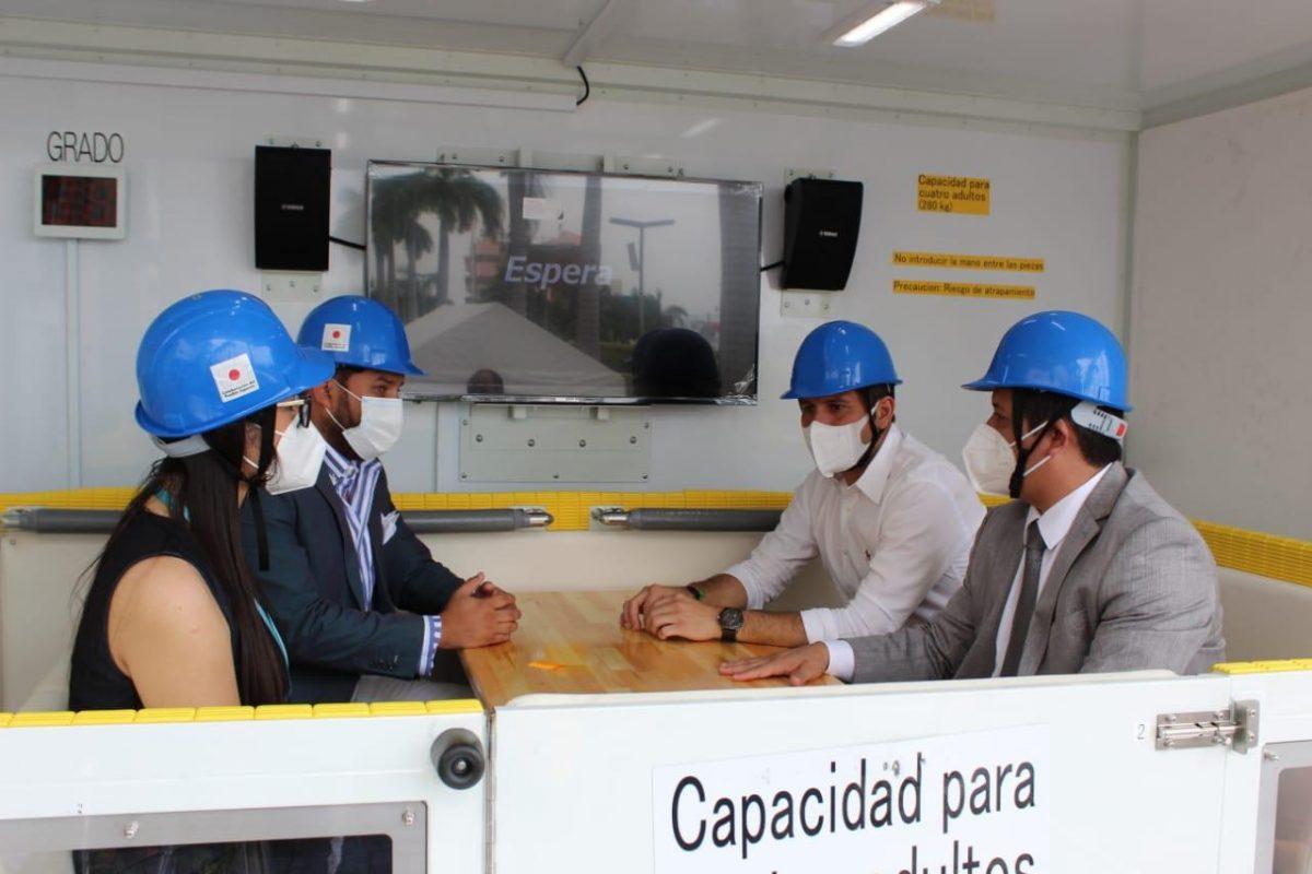El Servicio Nacional de Gestión de Riesgos y Emergencias realizó la presentación de los vehículos Simuladores Sísmicos en Manabí