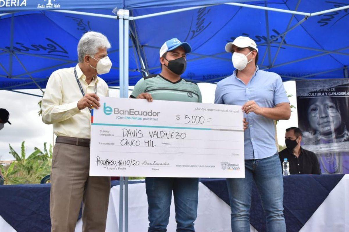 Más de $77 mil en créditos agropecuarios fueron entregados a productores Progreso y El Morro