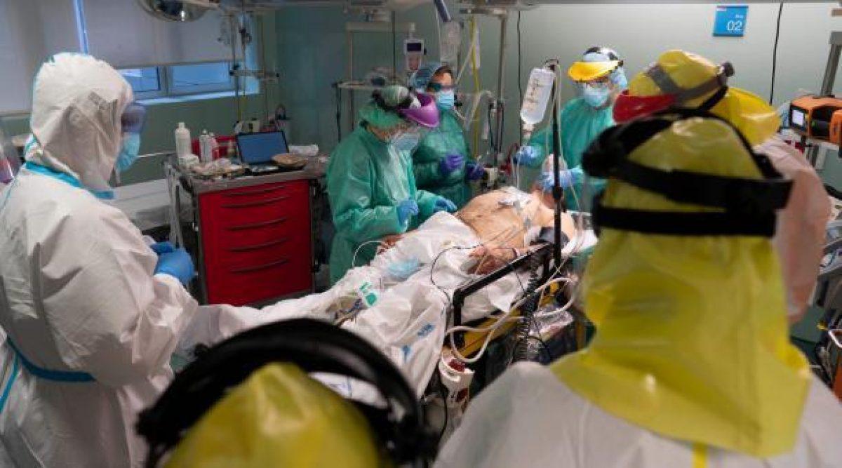 EE.UU. supera los 20,1 millones de casos y 347.000 muertes por COVID-19