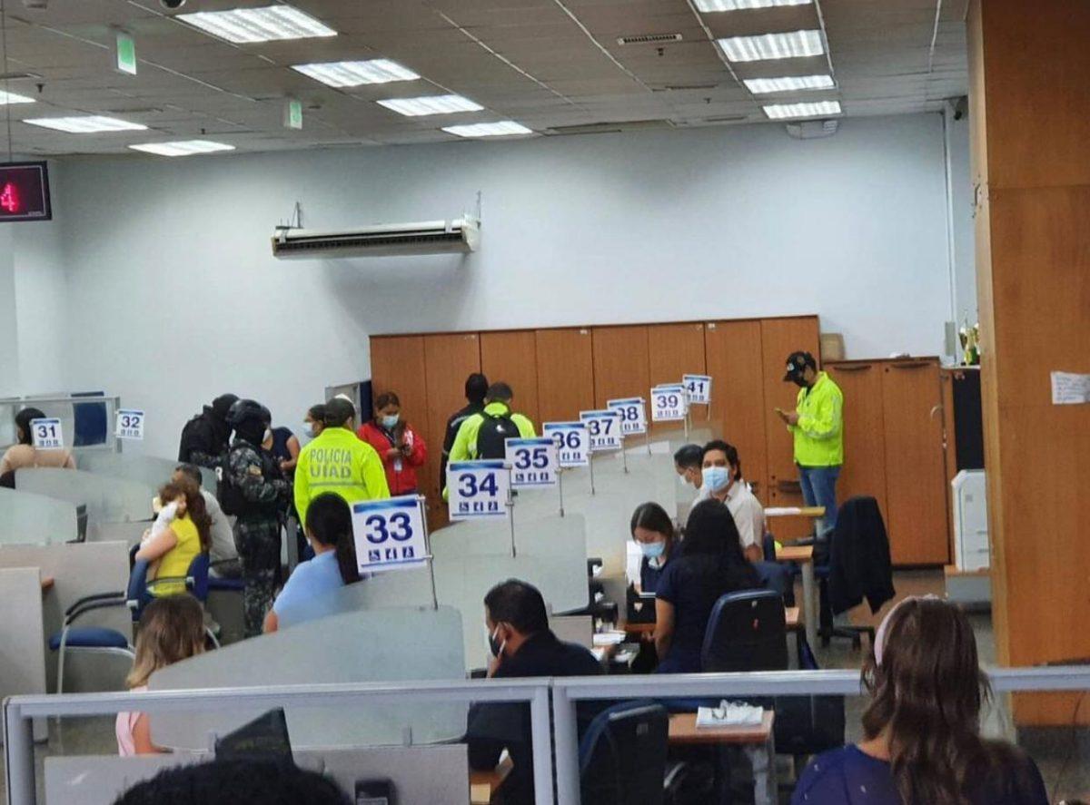 URGENTE |SRI es allanado para investigaciones por supuesta falsificación de documentos