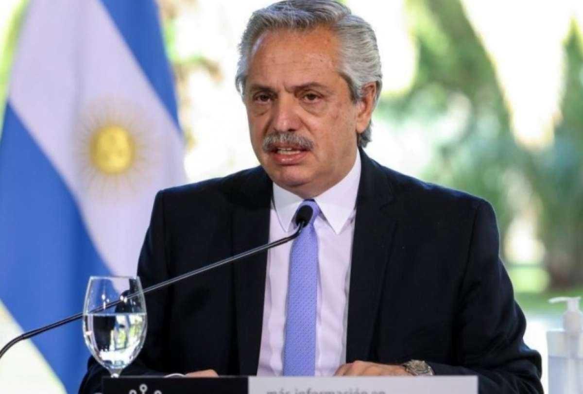 El presidente argentino Alberto Fernández confirma que dio positivo a coronavirus