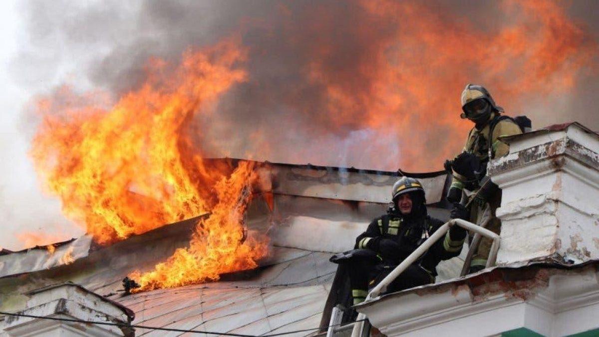 Médicos hicieron una operación a corazón abierto mientras el hospital se incendiaba