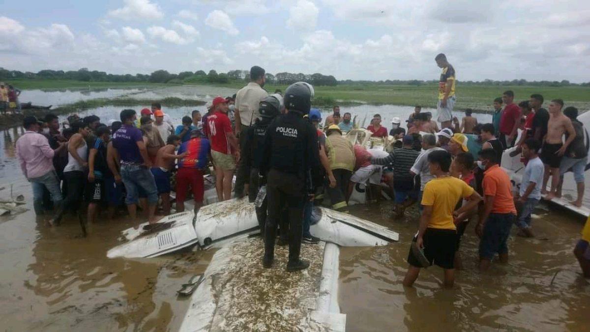 Una avioneta cayó en Salitre, provincia del Guayas