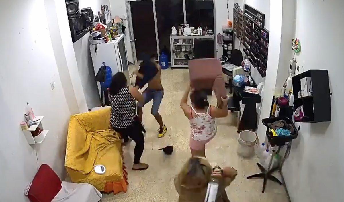 Tres mujeres se enfrentaron a un delincuente en un intento de robo en Durán