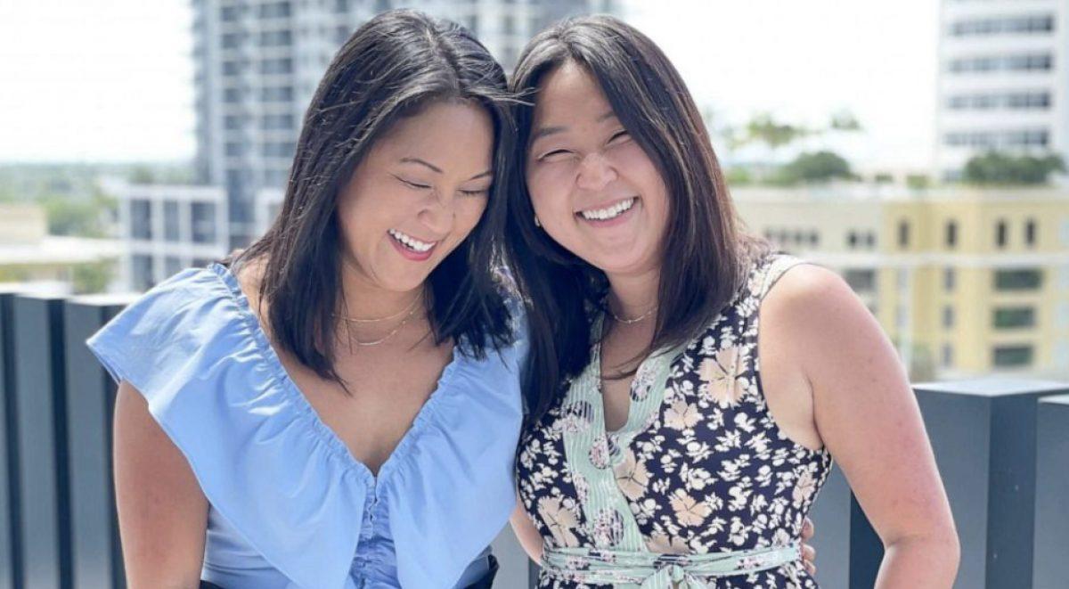 Dos gemelas separadas al nacer se reúnen 36 años después