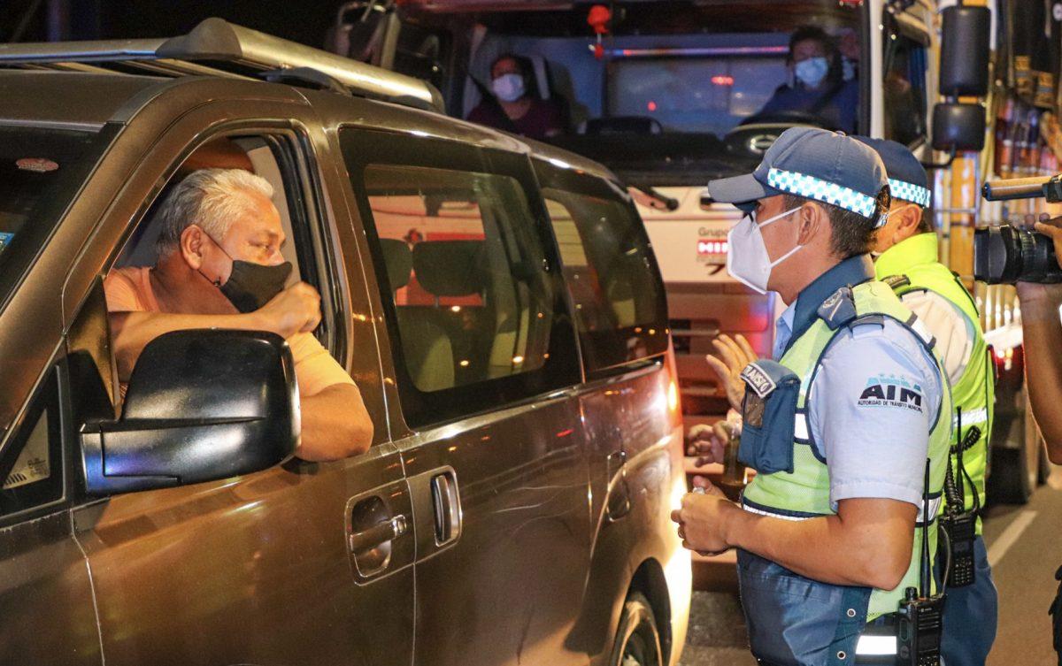 En Guayaquil se han retenido 27 vehículos en el toque de queda