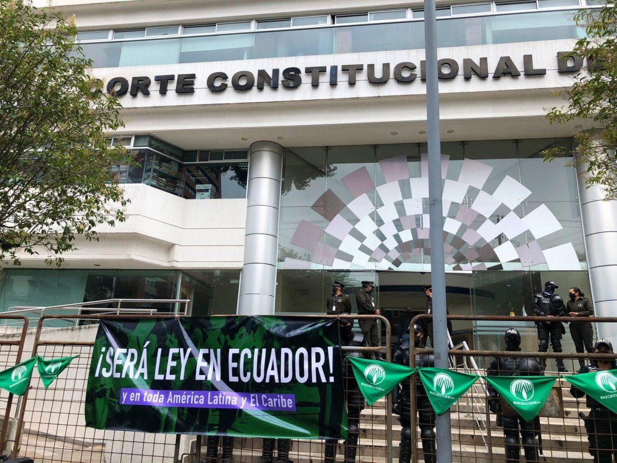 Corte Constitucional aprueba la despenalización del aborto por violación