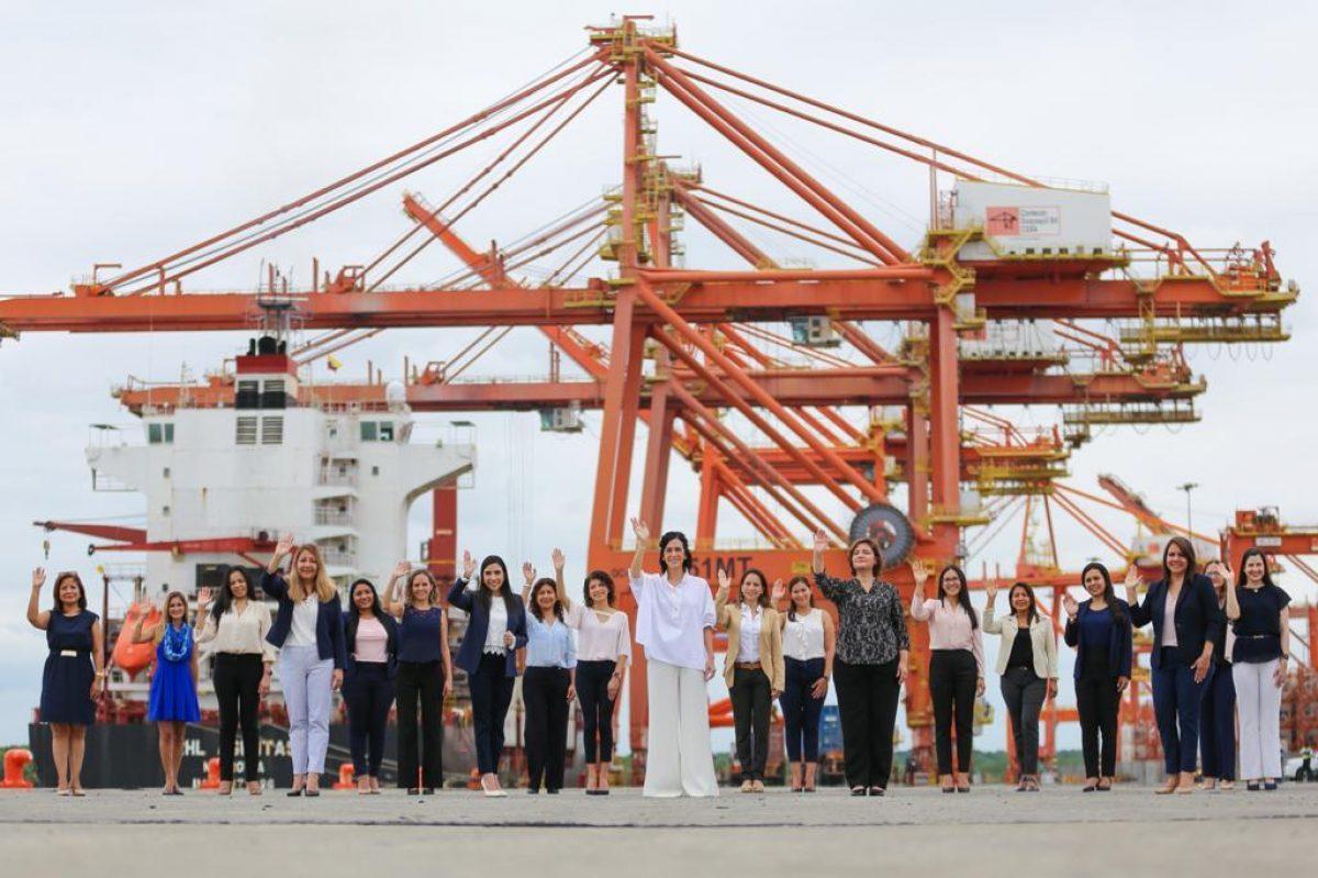 Una aduana liderada por mujeres destaca en el comercio y aprehensiones de contrabando