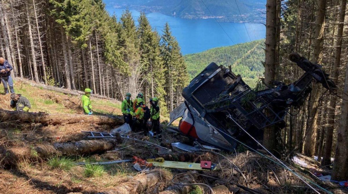 Muertos y heridos por la caída del una cabina de teleférico en Italia