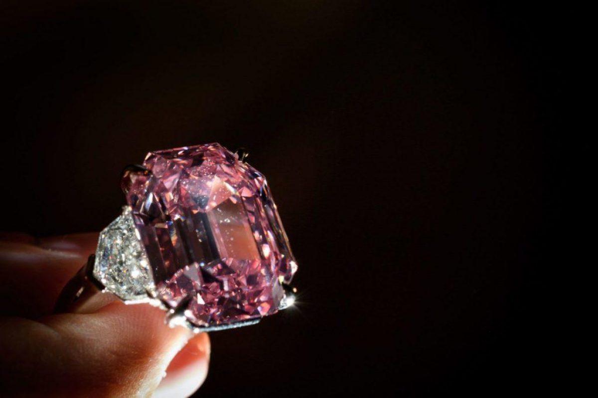 'El Sakura': el diamante rosa púrpura más grande jamás subastado