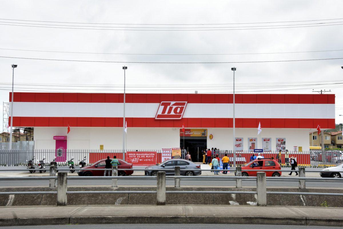 Almacenes Tía inauguró local en Mi Lote, sector de Guayaquil