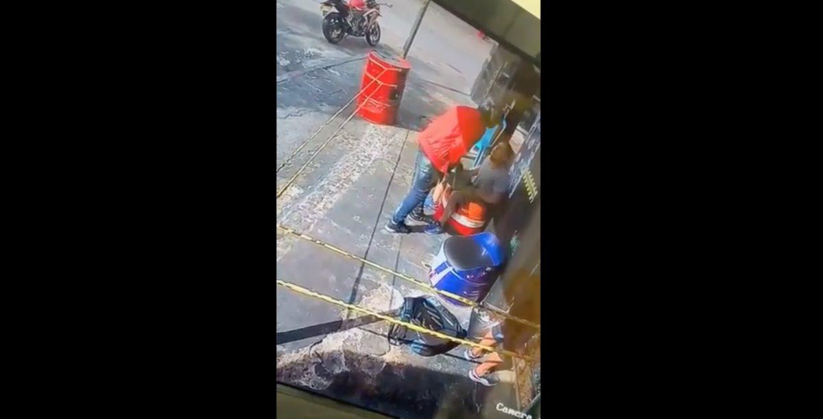 En pleno robo ladrón reconoce a un amigo y le devuelve sus pertenencias