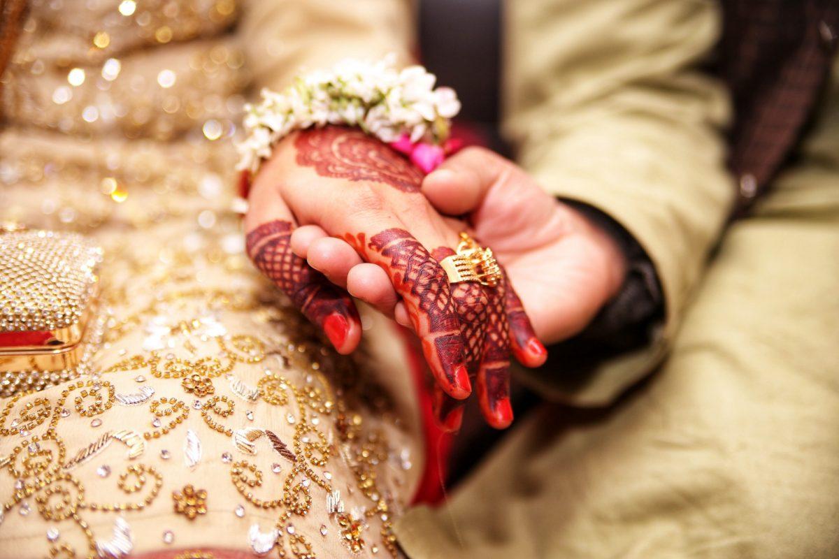 Proponen ley para casarse al cumplir 18 años o los padres serán multados