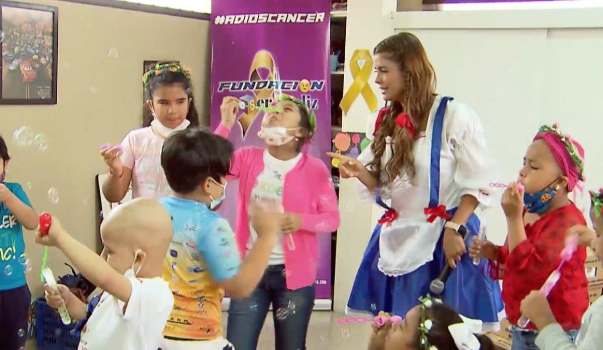 La niña Pochita celebró el Día del Niño en una fundación