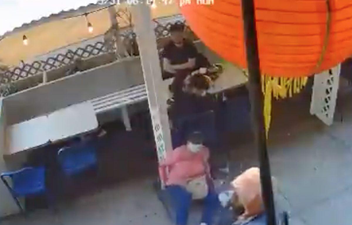 Una mujer fue atacada sin razón aparente en Estados Unidos