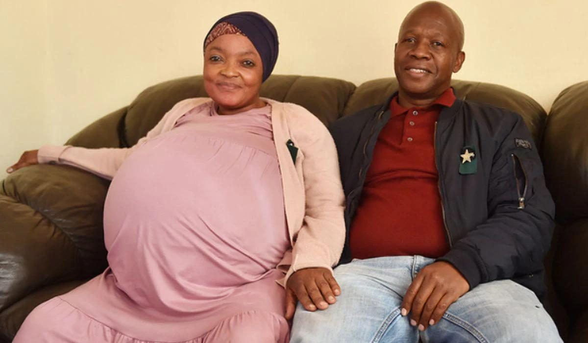 Mujer sudafricana bate récord al dar a luz a 10 bebés