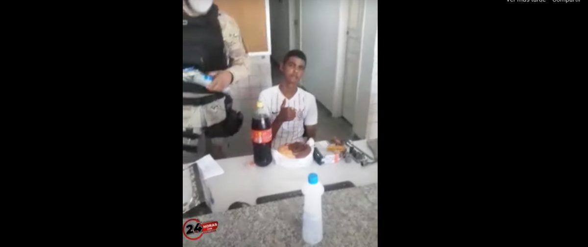 Fue detenido por robo en su cumpleaños y le regalan una torta en la comisaría