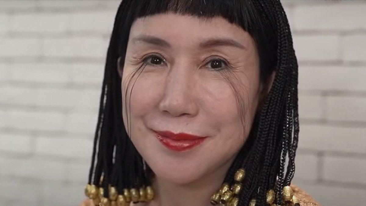 Mujer con las pestañas más largas del mundo rompe su propio récord