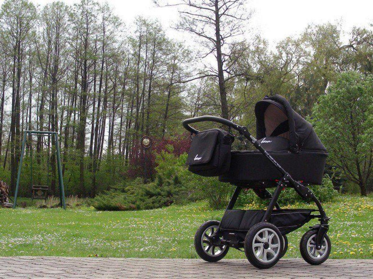 Madre mata a su bebé y luego la pasea sin vida en su coche