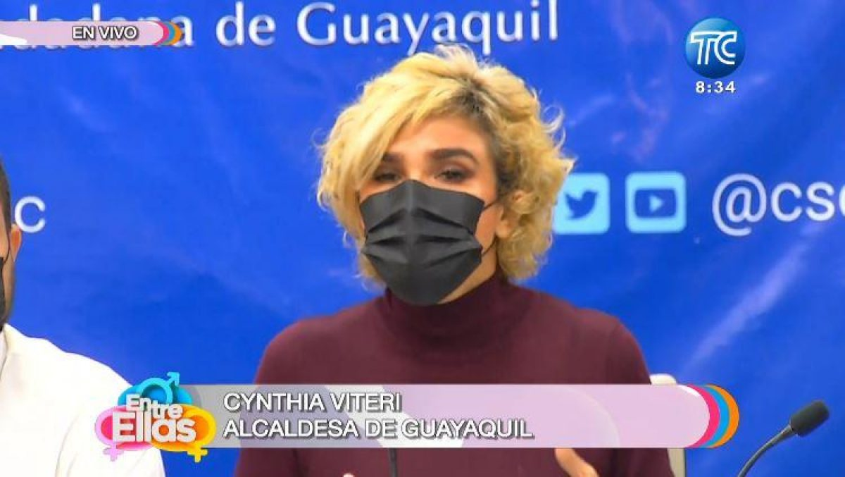 """Alcaldesa Viteri: """"El carné de vacunación será su pase de entrada, si quieren salir de casa"""""""