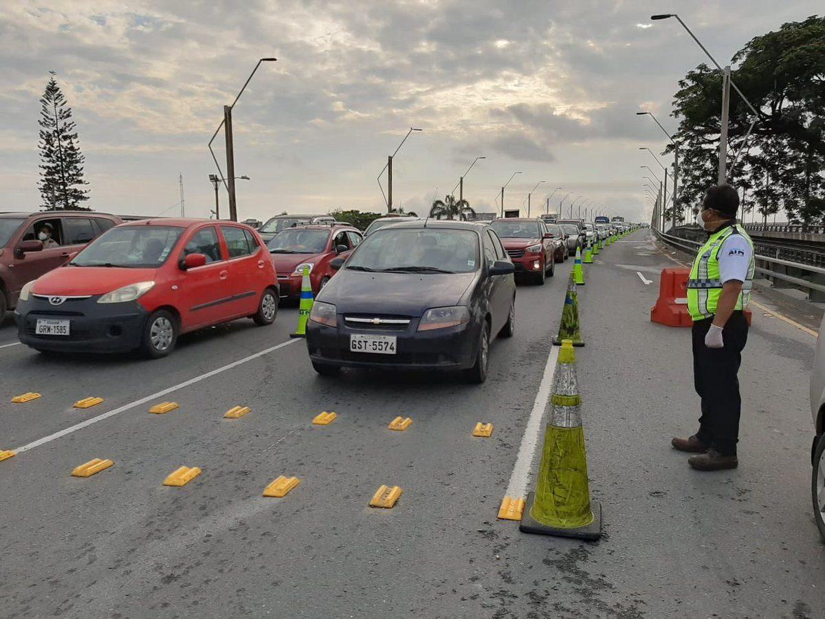 ¿Cuál es la diferencia entre estado de excepción, toque de queda y restricción vehicular?