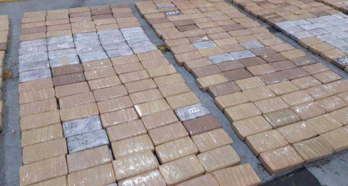 Decomisan tres toneladas de droga procedentes de Ecuador en Holanda
