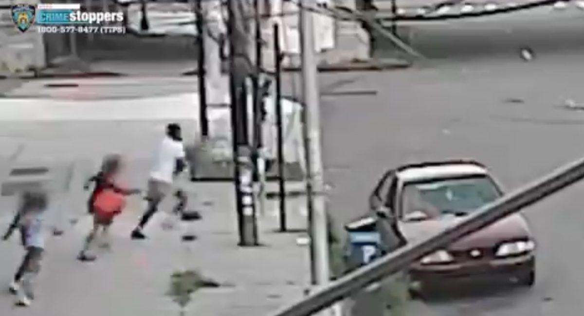 Video muestra a madre que evitó el secuestro de su hijo