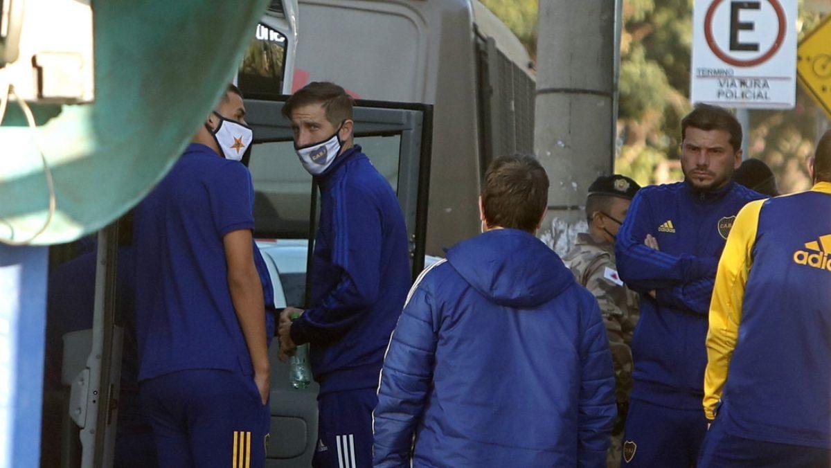 Boca Juniors declara en una comisaría tras graves incidentes en partido contra Mineiro