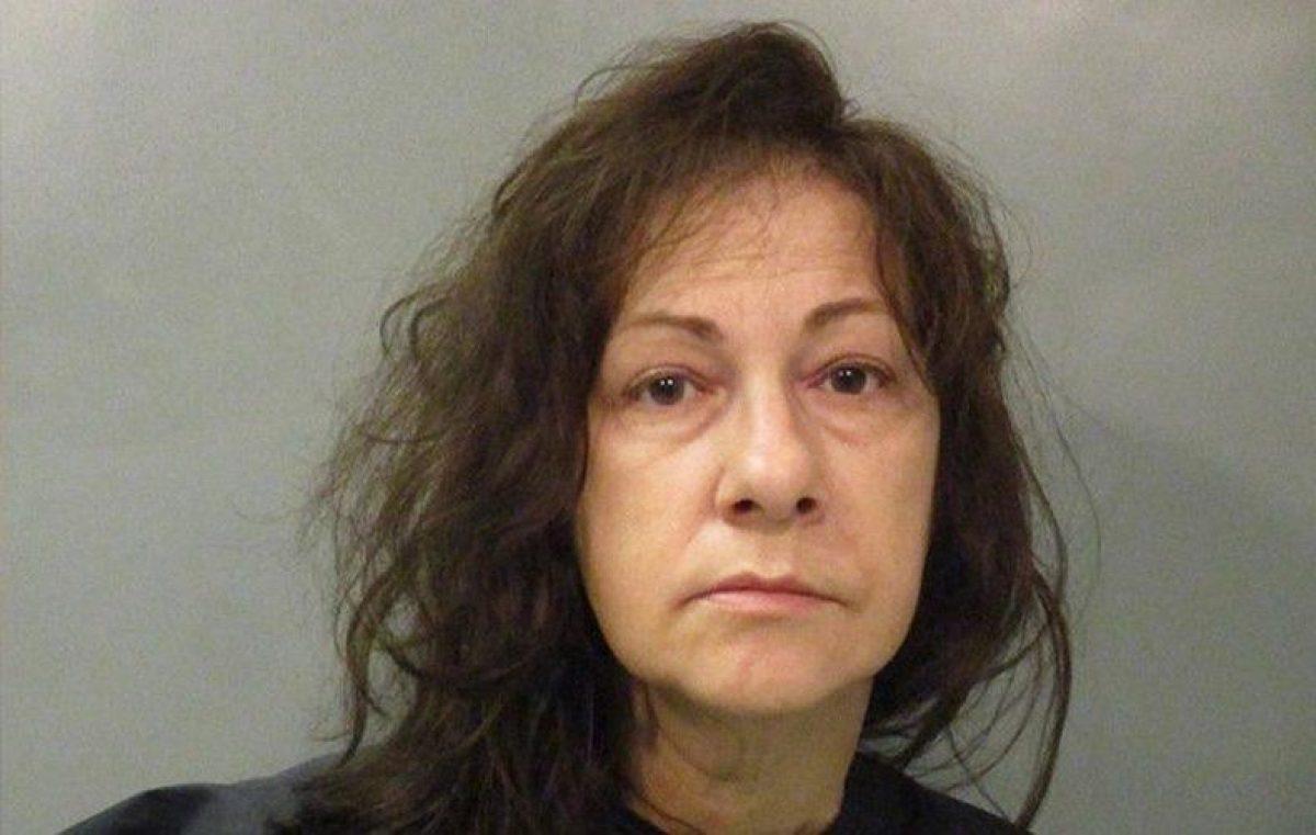 Mujer ocultó el cuerpo de su madre durante meses para seguir cobrando su pensión