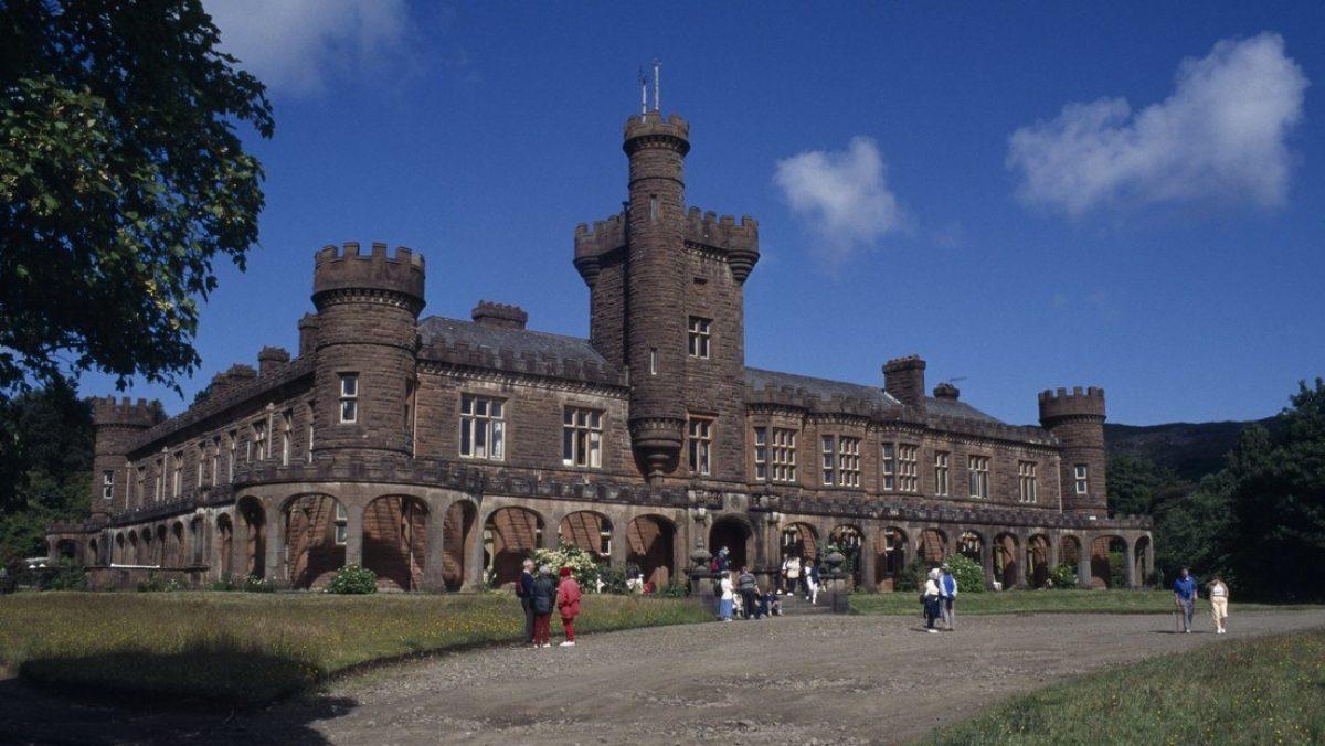 Se vende uno de los castillos más pintorescos de Escocia por menos de 2 dólares