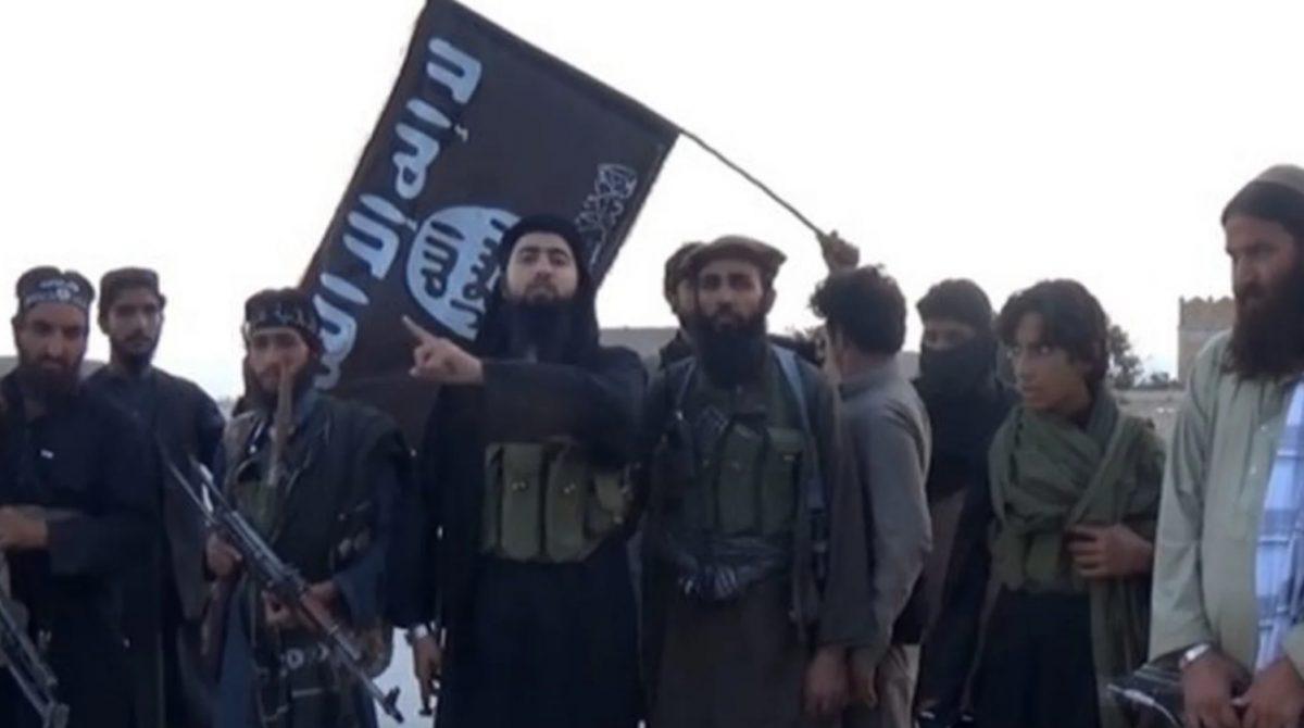 Lo que se sabe de ISIS-K, el grupo que se atribuyó el atentado en Kabul