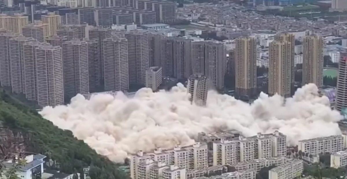 Derrumban en China 15 edificios de gran altura simultáneamente
