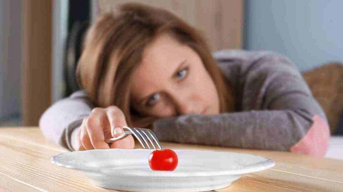 Una mujer sufrió un infarto cerebral y perdió el apetito por más de un año