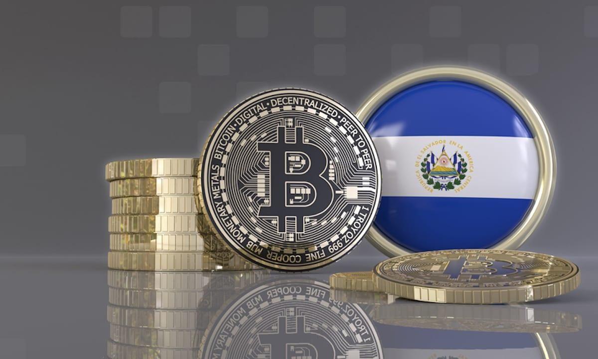El bitcóin tropieza en su primer día como moneda oficial de El Salvador