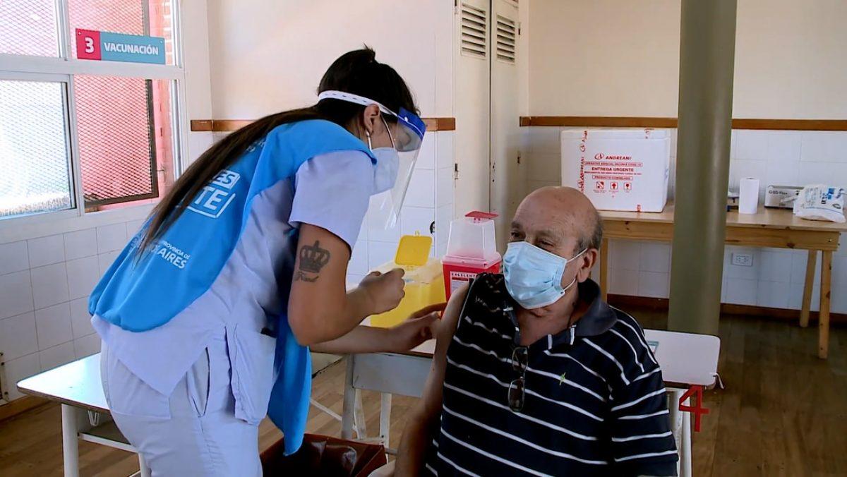 Argentina comienza la vacunación con la Sputnik V en mayores de 70 años