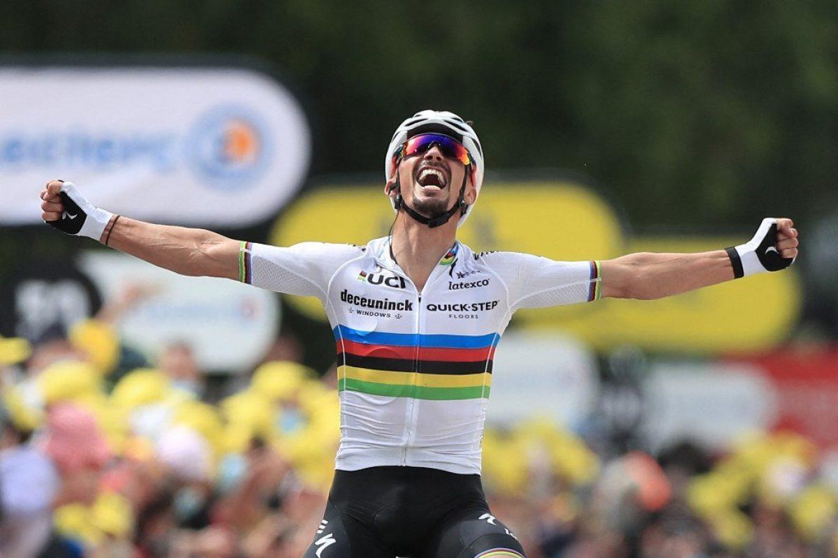 Alaphilippe cambia el maillot arcoíris por el amarillo en Tour de Francia