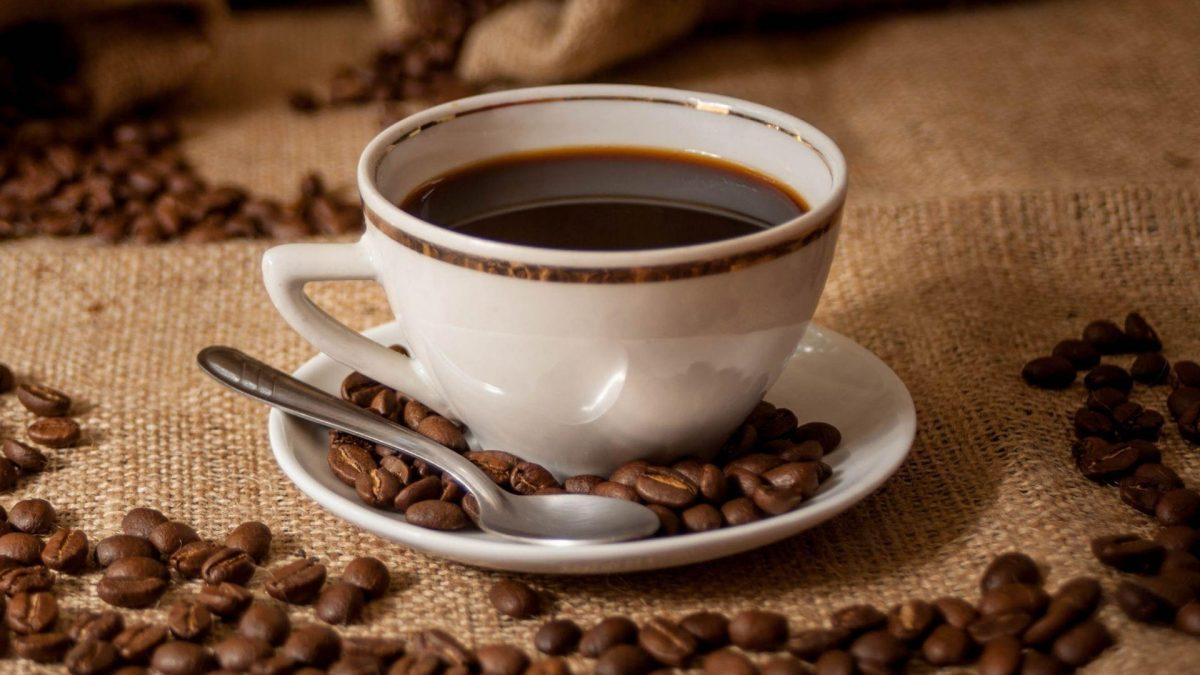 Tomar café podría reducir riesgo de muerte, según estudio
