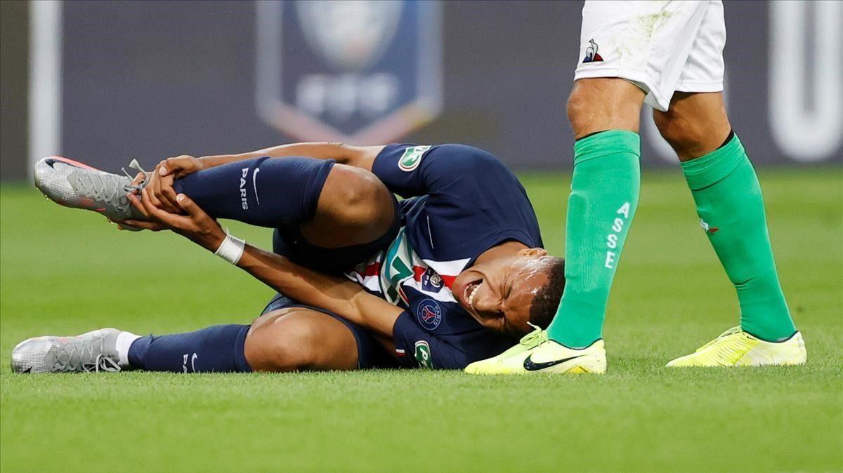 """""""Alrededor de tres semanas"""" para Mbappé tras sufrir una lesión"""